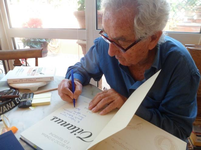 Nello studio privato di Carlo Gregoretti
